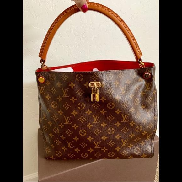 Louis Vuitton Handbags - Louis Vuitton Gaia Hobo Monogram Cerise 7e962da722196